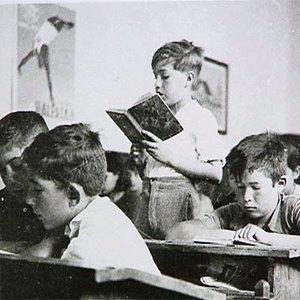 20130129211857-escuela-tradicional.jpg